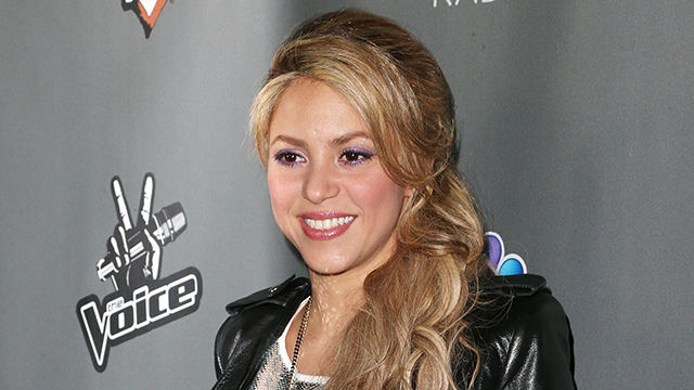 Go_Behind-The-Scenes_of_Shakira_s_Latest_Shoot_.jpg